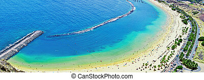 big panoramic people on the ocean beach