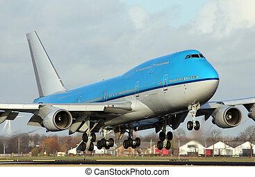 big plane lands
