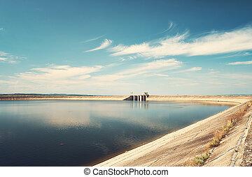 Big reservoir