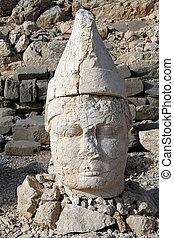 Big stone head