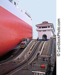 panama locks - big tanker going thru the panama locks