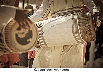 bihu, danse, exécuter, traditionnel, tribus, assamese, bihu