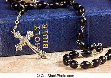 bijbel, bidsnoer, kruis, kralen