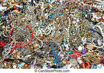 Bijoux - Bunch of various bijoux pearls and jewellery