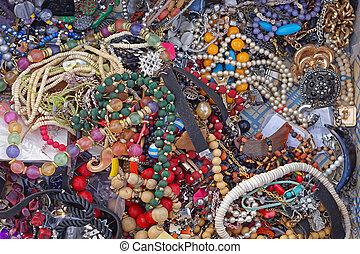 Bijoux flea market - Various modern bijou necklaces for sale...