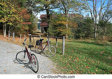 Bike ride - A stop during an autumn bike ride