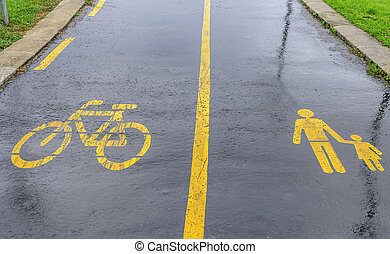 Bike route sign on bruschadke.
