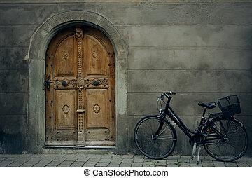 bike with door