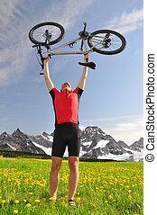biker with the mountain bike