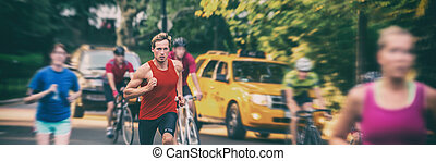 biking, 旗, フィットしなさい, 新しい, 自動車, バックグラウンド。, ぼやけ, -, 人, 運動選手, 訓練, 群集, 人々, ぼんやりさせられた, 動くこと, ヨーク, 都市, 黄色, ジョッギング, タクシー, ランナー, パノラマ, 早送り