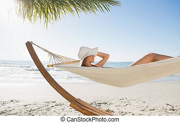 bikini, solhatt, hängmatta, avkopplande, kvinna, tröttsam