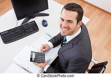 bilansista, pracujący, biuro