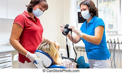 bild, zahnarzt, patienten, behandlung, z�hne, porträt, machen, vorher