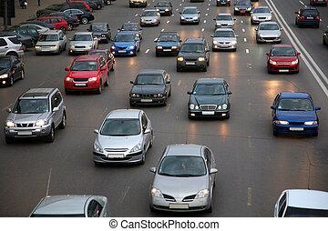 bilerne, på, aftenen, vej