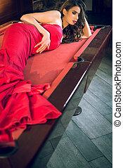 bilhar, tabela vermelha, menina, vestido, mentindo