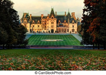 Biltmore Autumn - Autumn leaves start changing color and...