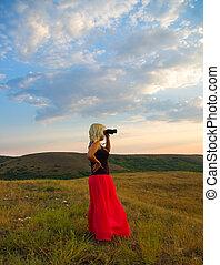 binóculos, mulher, montanhas
