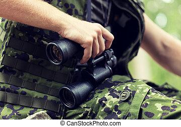binoculaire, chasseur, haut, soldat, fin, ou