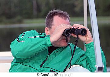 binoculares, barco, hombre