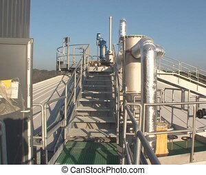 biogass tank workers - Biogas plant, tanks and workers....