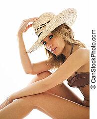 biondo, donna, in, bikini, e, cappello paglia