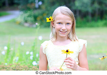 biondo, ragazza, presa a terra, uno, fiore