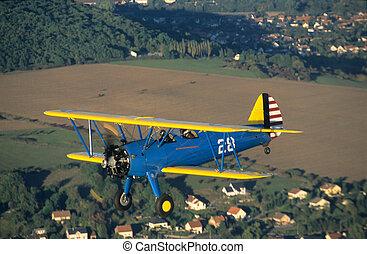 Biplane Boeing PT-17 Kaydet / Stearman model 75 - Biplane...