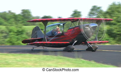 Biplane Taxiing with Smoke - Christen Eagle II biplane taxis...