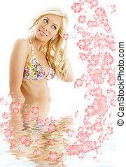 biquíni, loura, #3, em, água, com, flores