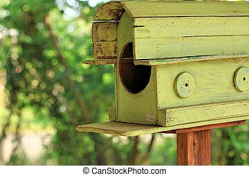 Bird house vintage
