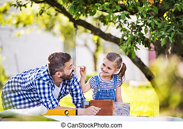 birdhouse., 娘, 木製である, 父, 小さい, 作成, 外