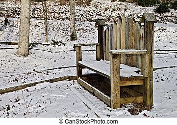 Birdhouse Bench in Snow