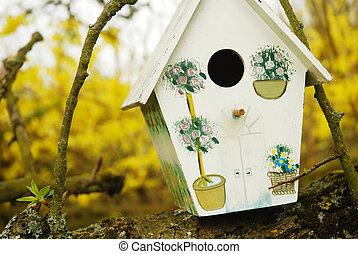 birdhouse/birdbox, αγχόνη βγάζω κλαδιά