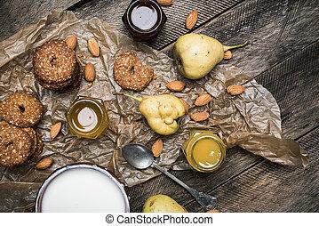 biscoitos, saudável, pêras, rústico, madeira, amêndoas, leite