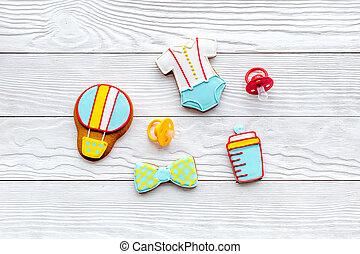 biscotti, cima legno, compleanno, fondo, bambino, pan zenzero, bianco, celebrazione, vista
