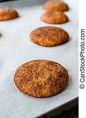 biscotti, vassoio., cottura, carta, cannella, forno, ...