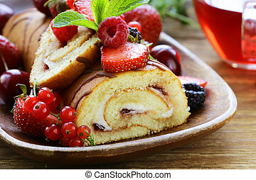 biscuit roulade with butter cream