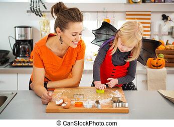 biscuits, habillé, halloween, découpage, mère, girl, dehors