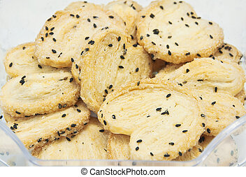 Biscuits with sesame