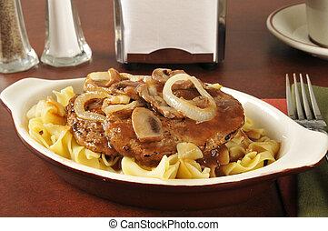 bistecca, tagliatelle, salisbury