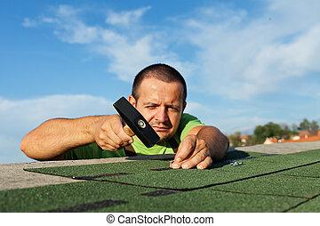 bitumen, man, installeren, dak naamborden