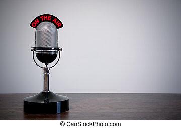 biurko, mikrofon, retro