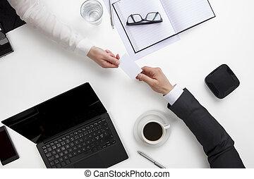 biuro, handlowy zaludniają, odwiedzając, biurko, zamieniając, karta