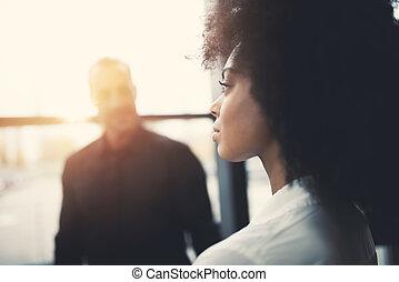 biuro, kobieta interesu, okno, przyszłość, przez, spojrzenia
