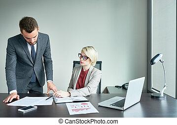 biuro, pracujący, wzmacniacz, handlowy, pomyślny