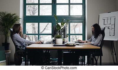 biuro., samica, architekt, dwa, pracujący