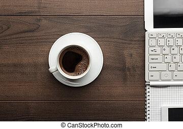biuro, stół, i, filiżanka kawowa, na górze