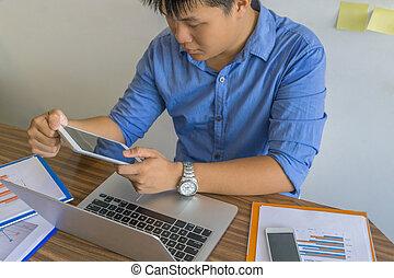 biuro, tabliczka, praca, asian, używając, człowiek
