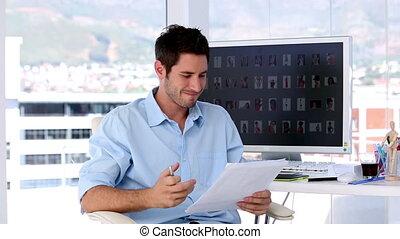 biuro, twórczy, człowiek, rozgniewany