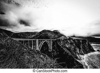Bixby bridge, Big Sur in b&w